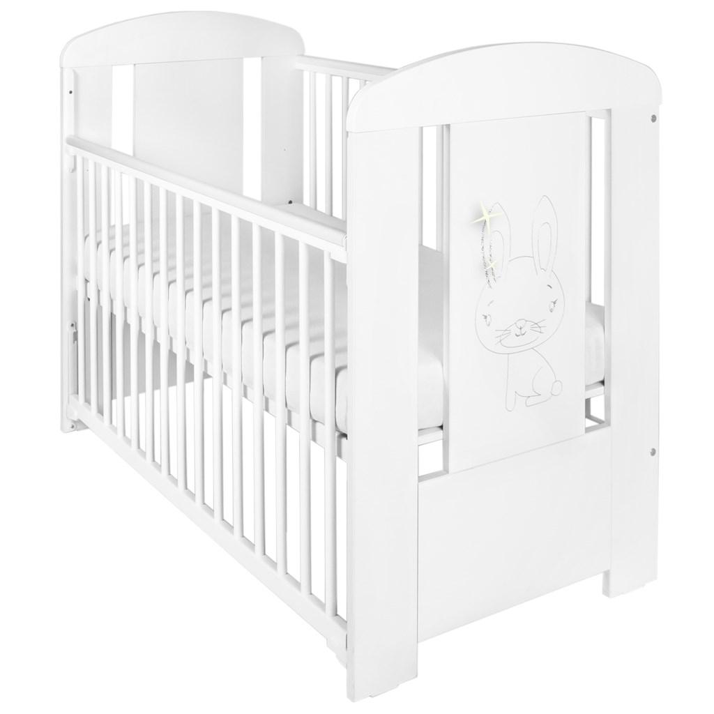 Gyerek kiságy New Baby Nyuszi leengedhető oldalráccsal fehér